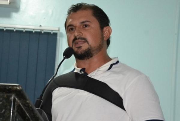 Vereador de cidade do Piauí renuncia ao mandato
