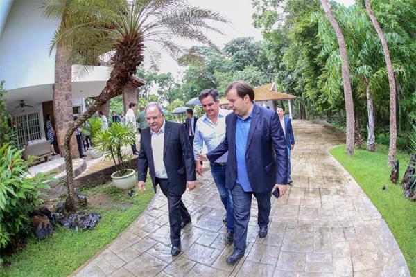 Rodrigo Maia pede apoio para reeleição e promete ajudar Piauí na Câmara Federal