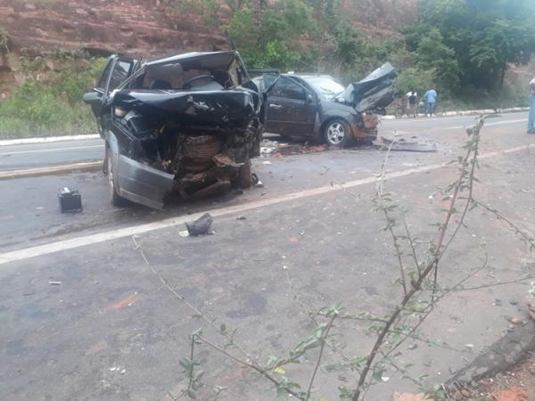 Um morto e cinco feridos em grave acidente na BR-135
