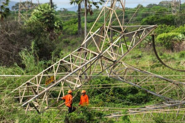 Torre de transmissão de energia é alvo de ataque no Ceará