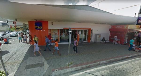 Gerente e família ficam de reféns por quase 20 horas durante assalto a banco
