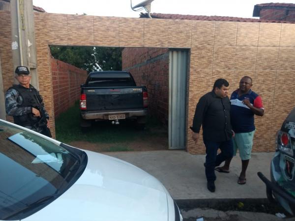 Mulher é presa com carro roubado e placa clonada na zona Norte de Teresina