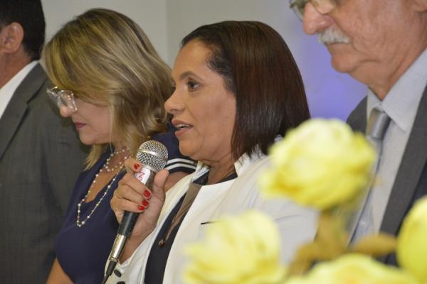 Dra Emília assume o comando da Câmara Municipal de Barras