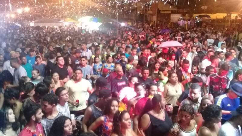 Veja como foi a segunda-feira de Carnaval em Barras