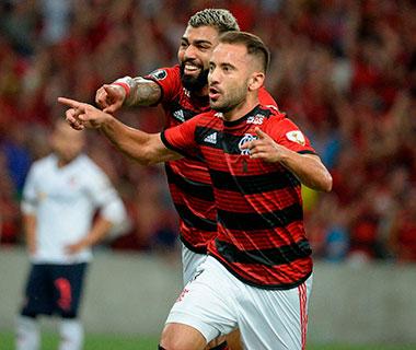 Flamengo joga bem, bate a LDU e chega à segunda vitória na Libertadores