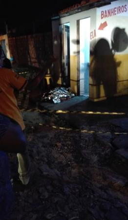 Homem é assassinado a tiros em banheiro de bar no Piauí