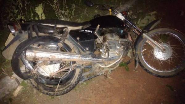 Prefeito colide com moto e saúde de motociclista é grave