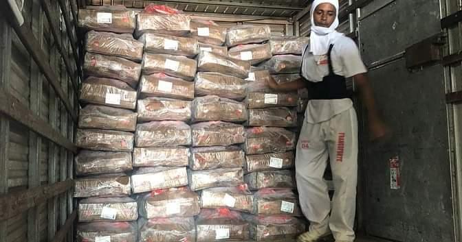 Empresário doa 8 toneladas de frango para desabrigados em Barras